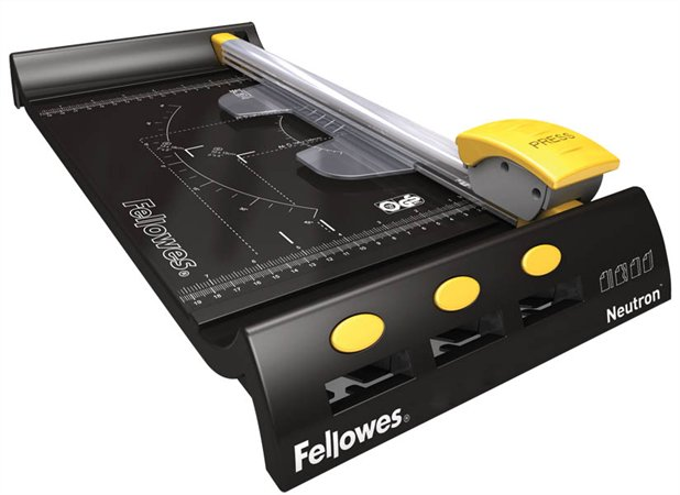 Резак для бумаги Fellowes SafeCut Neutron A4 FS-54100 цена в Москве и Питере