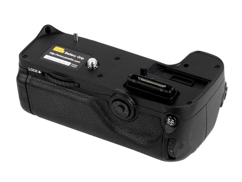 ���������� ���� Pixel Vertax D11 Battery Grip ��� Nikon D7000