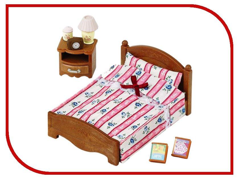 Игра Sylvanian Families Большая кровать и тумбочка 2934 стоимость