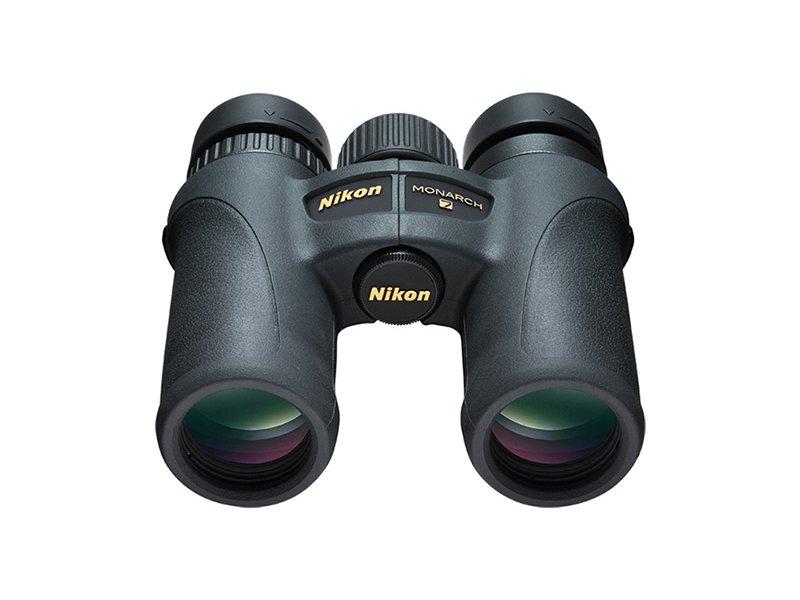 Бинокль Nikon 8x30 Monarch 7