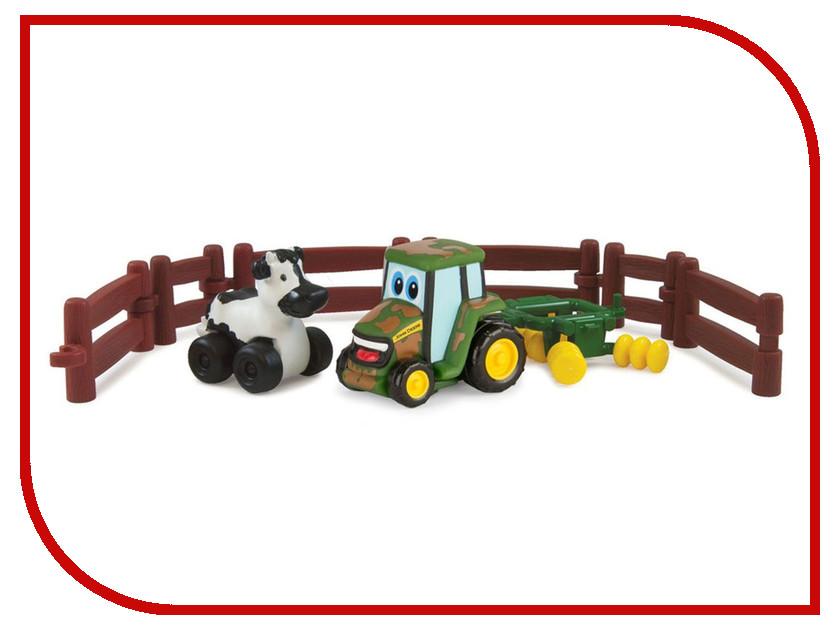Игра Tomy Приключения трактора Джонни и коровы на ферме 37722-1 tomy игровой набор приключения трактора джонни и поросенка на ферме с 18 мес