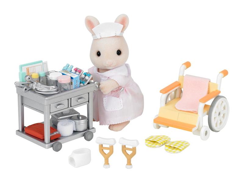 Игровой набор Sylvanian Families Медсестра с аксессуарами 5094 / 2816
