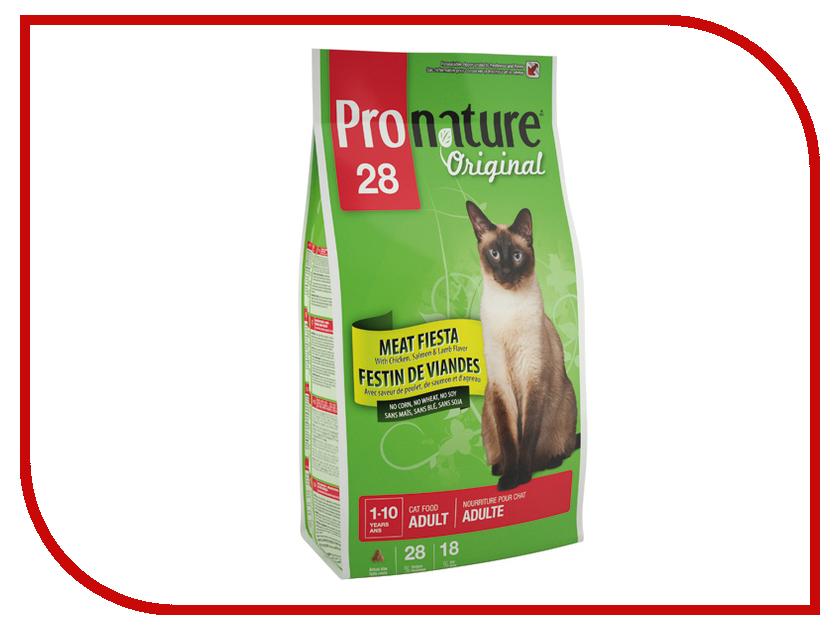 Корм Pronature 28 Мясной Праздник цыпленок, лосось и ягненок 5kg для кошек 102.415.1 корм pronature holistic утка с апельсином 2 72kg для кошек 102 2021
