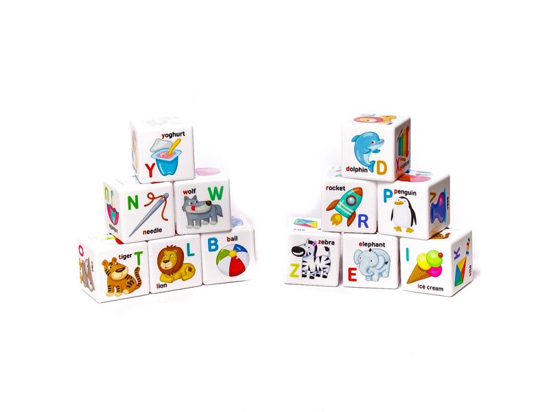 лучшая цена Кубики Десятое Королевство Английский алфавит 12 шт. 01737