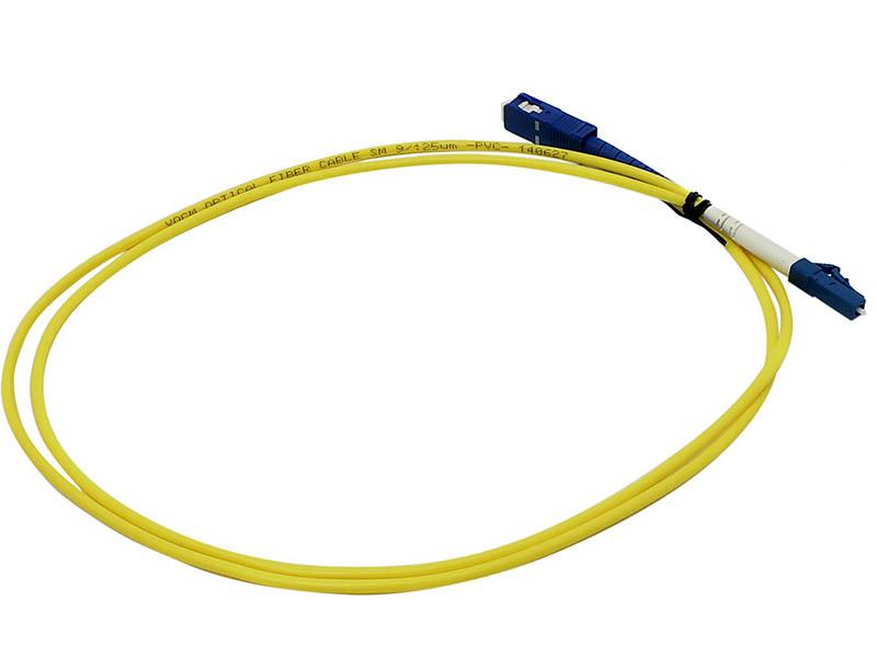Сетевой кабель VCOM Optical Patch Cord LC-SC UPC Simplex 1m VSU302-1M оптический шнур vcom lc fc upc одномодовый simplex vsu301 1m