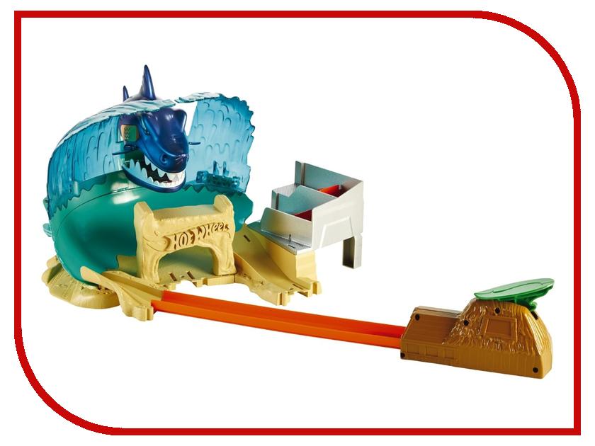 Автотрек Mattel Hot Wheels Схватка с акулой FNB21 mattel автотрек hot wheels сити полицейская погоня