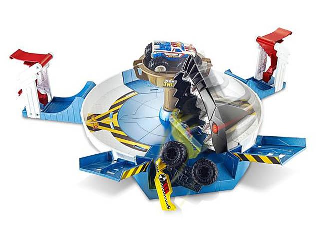 Автотрек Mattel Hot Wheels Монстр трак Поединок с акулой FYK14
