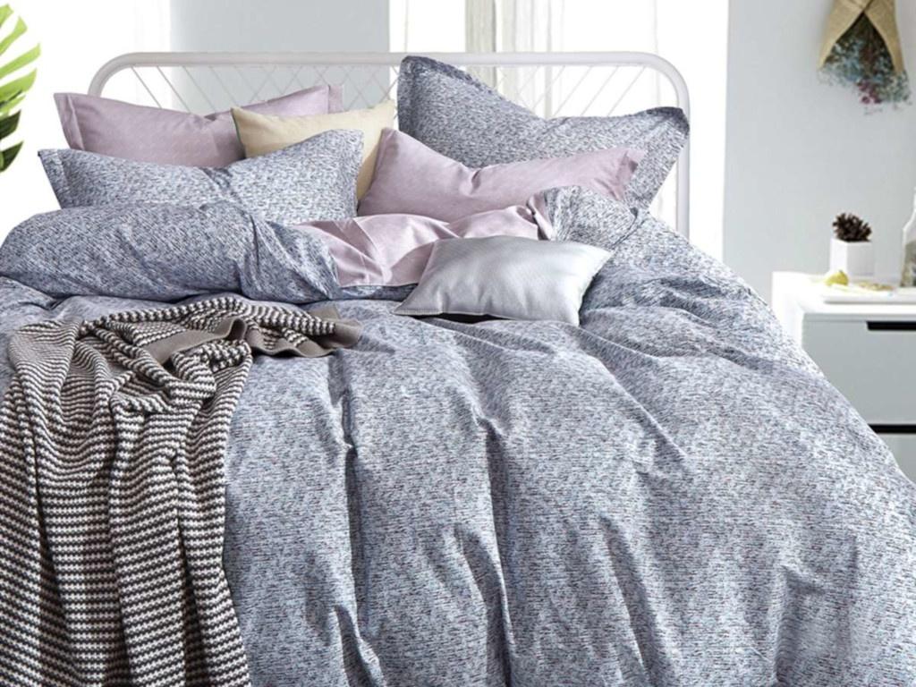 все цены на Постельное белье Cleo Satin Lux 15/357-SL Комплект 1.5-спальный Сатин онлайн