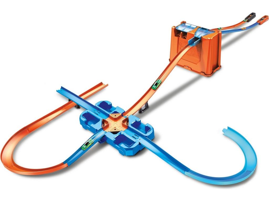 Автотрек Mattel Hot Wheels Премиальный трюковой набор GGP93