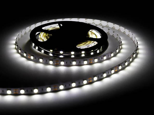 Светодиодная лента URM SMD 5050 60 LED 12V 14.4W 10-12Lm 6500K IP65 2m Cold White N01011