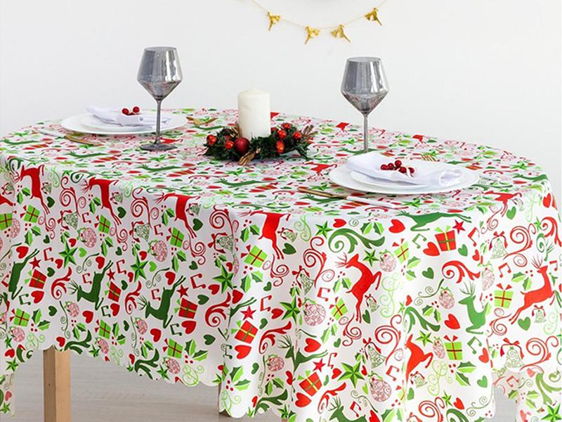 Скатерть Доляна Рождественские подарки 145x220cm 4443156