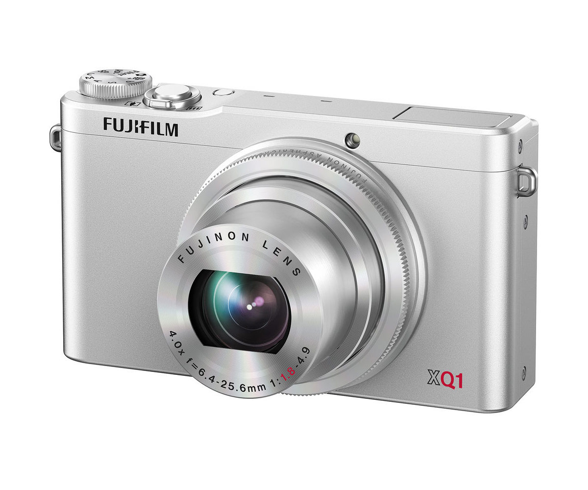 Фотоаппарат FujiFilm XQ1 Silver  Pleer.ru  13645.000