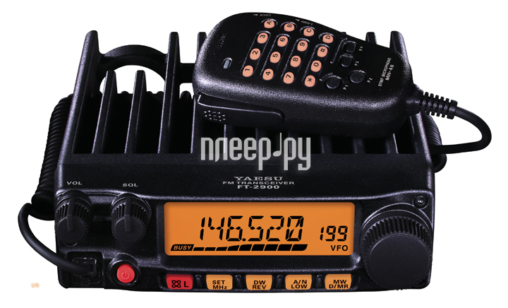 Автомобильная радиостанция Yaesu FT 2900R.