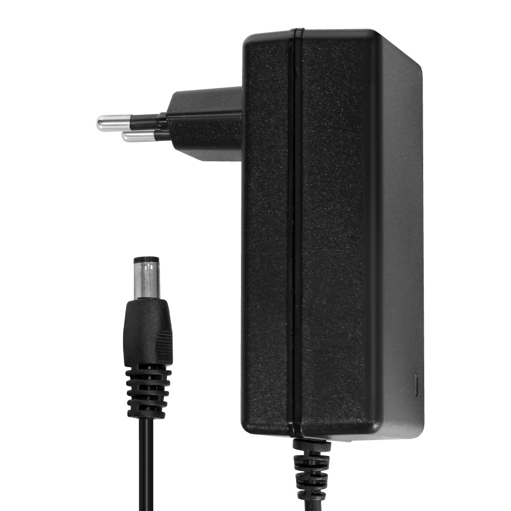 купить блок питания для автомагнитолы от сети 220 в Блок питания Ginzzu GA-1050 для видеокамеры 12V