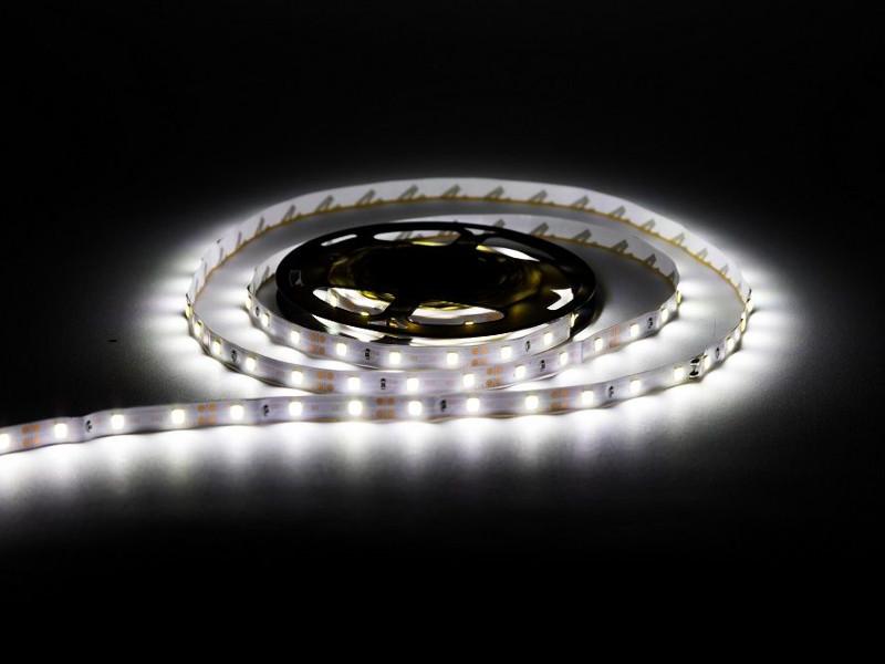 Светодиодная лента URM 2835-60led-12V-4.8W 8-10LM-IP22 6500K C10244 светодиодная лента urm smd 2835 120 led 12v 9 6w 8 10lm 3000k ip22 warm white n01010