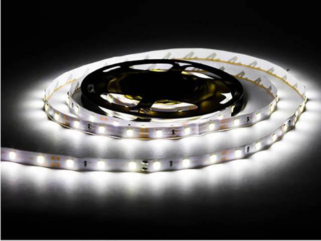 Светодиодная лента URM SMD 2835 120 LED 12V 9.6W 8-10Lm 6500K IP22 3m Cold White N01013