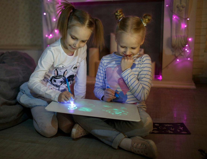 Детский набор для рисования в темноте - Рисуй светом в Краснослободске
